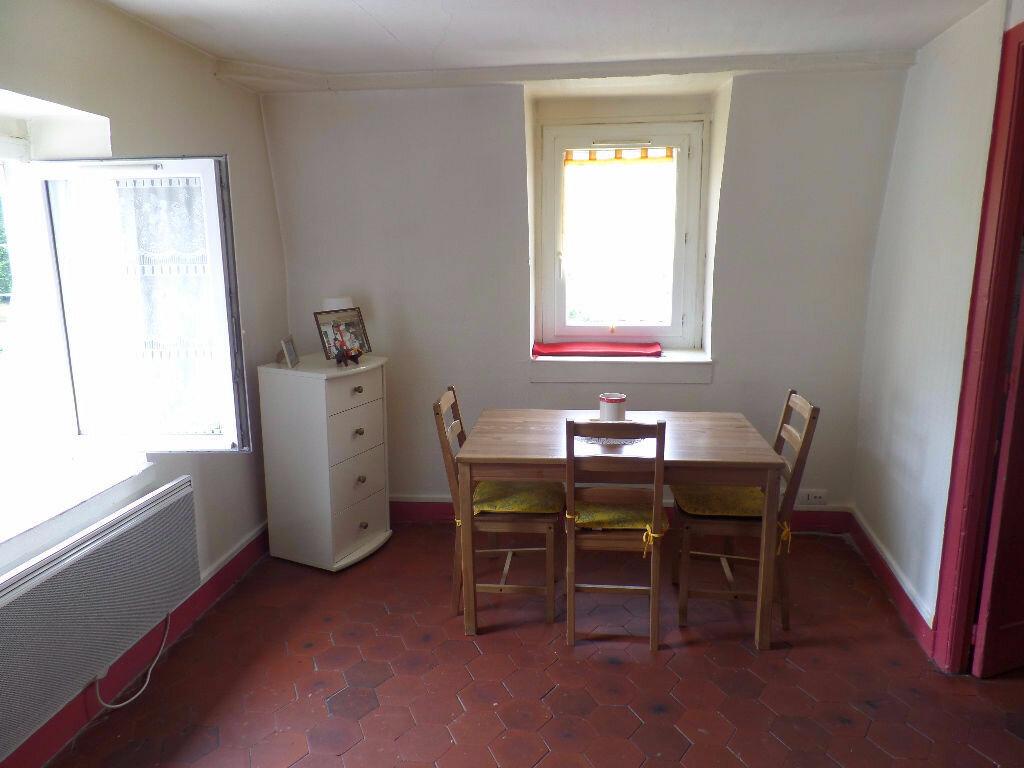 Location Appartement 3 pièces à Elbeuf - vignette-1