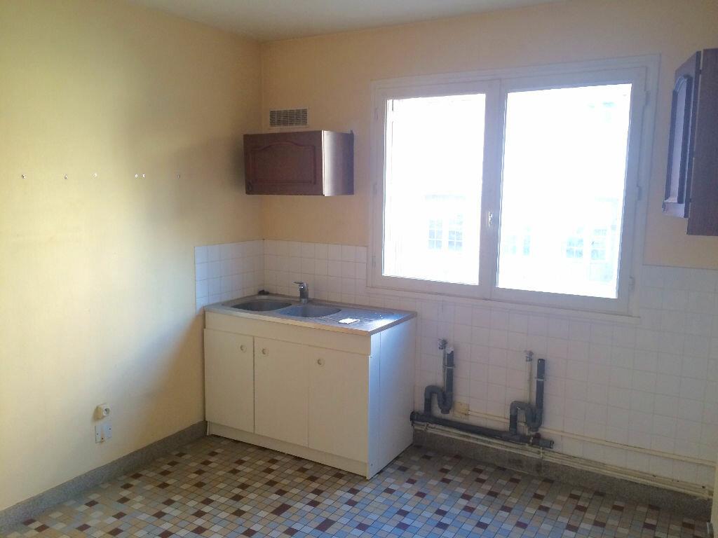 Achat Appartement 4 pièces à Elbeuf - vignette-3