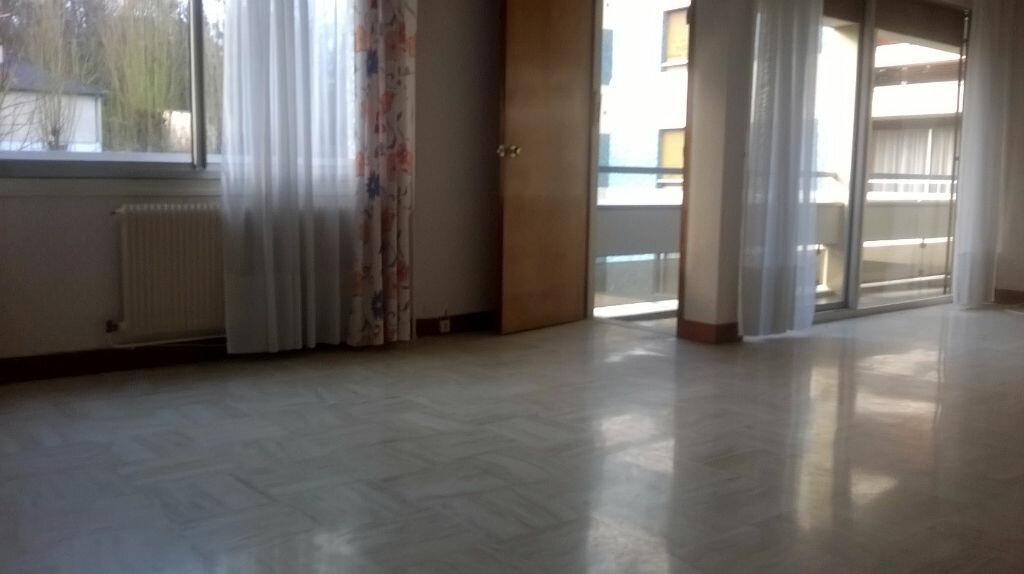 Achat Appartement 5 pièces à Caudebec-lès-Elbeuf - vignette-1