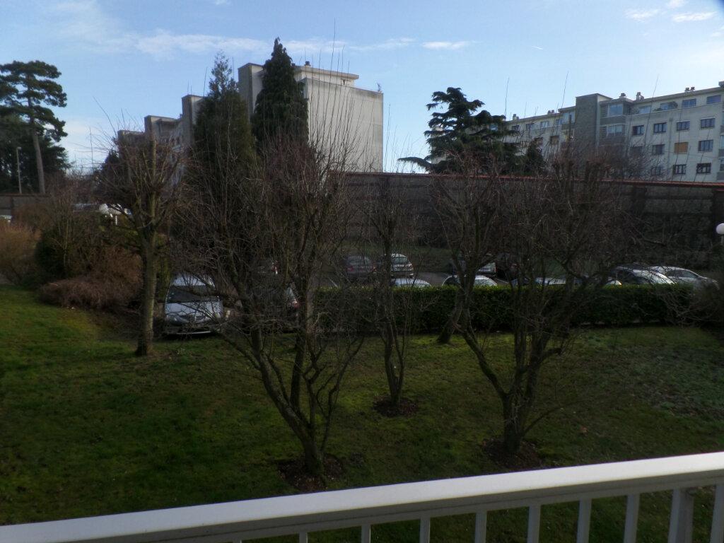 Location Appartement 1 pièce à Bois-Guillaume - vignette-2