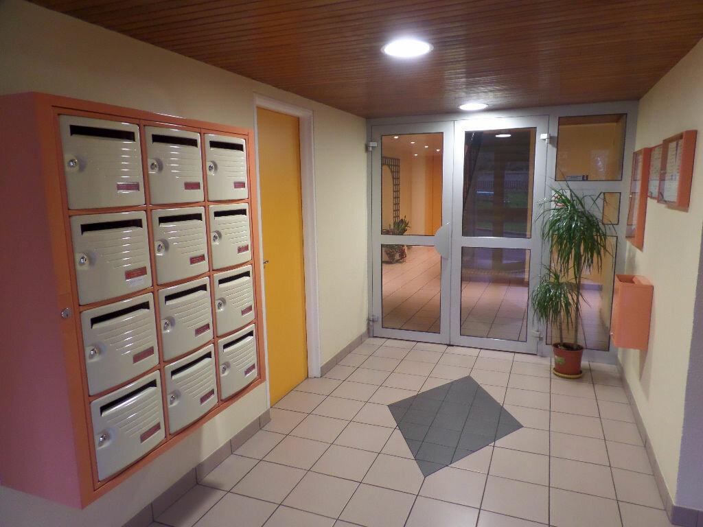 Achat Appartement 3 pièces à Caudebec-lès-Elbeuf - vignette-2