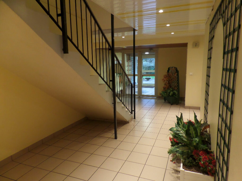 Achat Appartement 3 pièces à Caudebec-lès-Elbeuf - vignette-3
