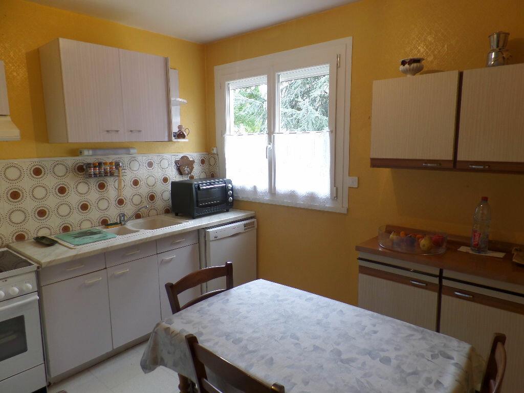 Achat Appartement 3 pièces à Caudebec-lès-Elbeuf - vignette-4