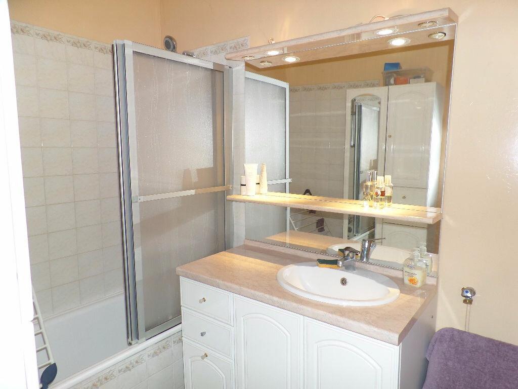 Achat Appartement 3 pièces à Caudebec-lès-Elbeuf - vignette-5