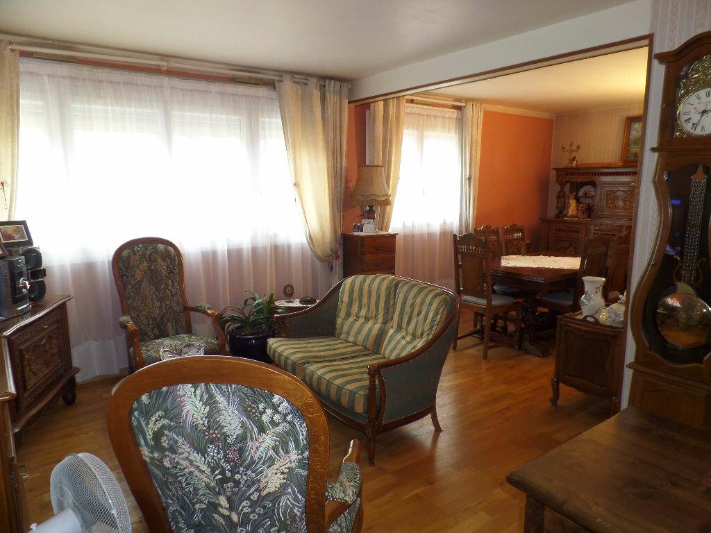 Achat Appartement 3 pièces à Caudebec-lès-Elbeuf - vignette-6