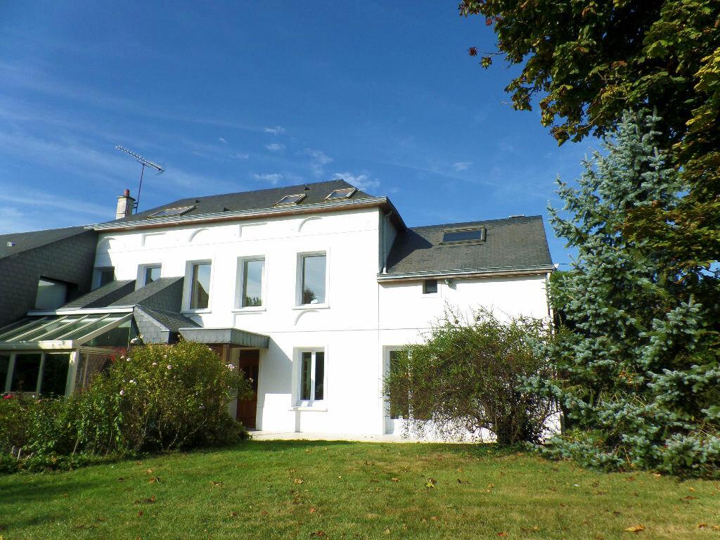 Achat Maison 8 pièces à Mont-Saint-Aignan - vignette-1