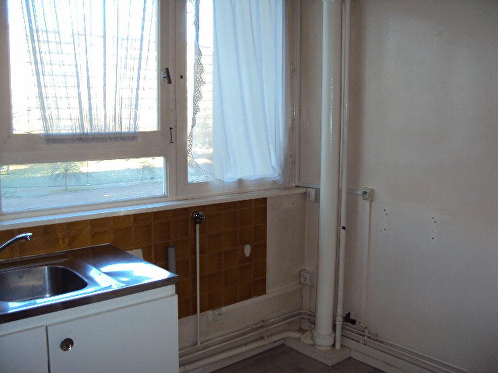Achat Appartement 3 pièces à Sotteville-lès-Rouen - vignette-4