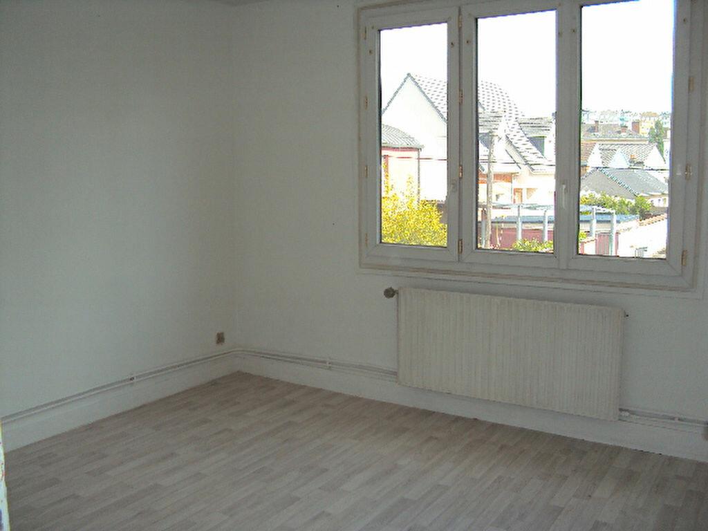 Achat Appartement 4 pièces à Sotteville-lès-Rouen - vignette-4