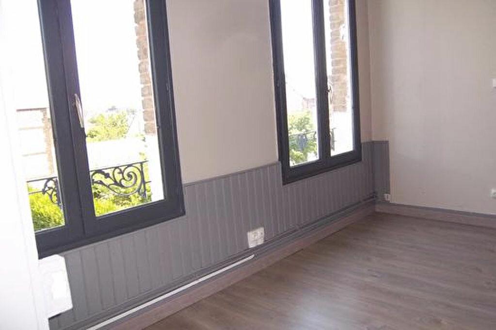 Achat Appartement 1 pièce à Caudebec-lès-Elbeuf - vignette-2