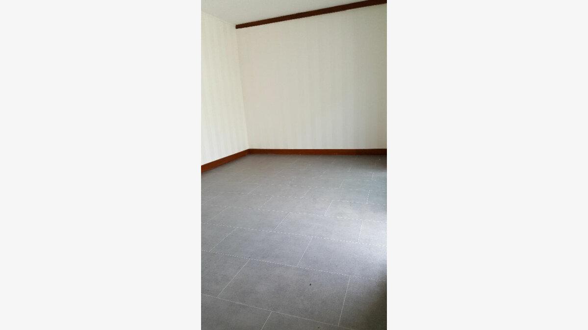 Location Maison 4 pièces à Elbeuf - vignette-4