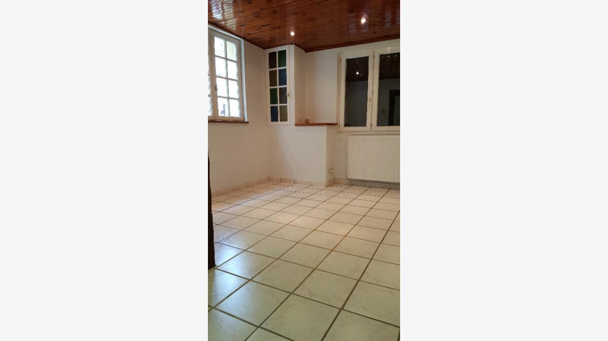 Location Maison 4 pièces à Elbeuf - vignette-5