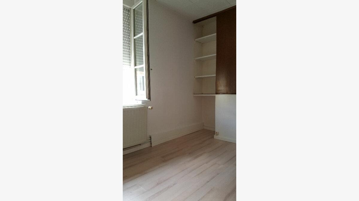 Location Maison 4 pièces à Elbeuf - vignette-12