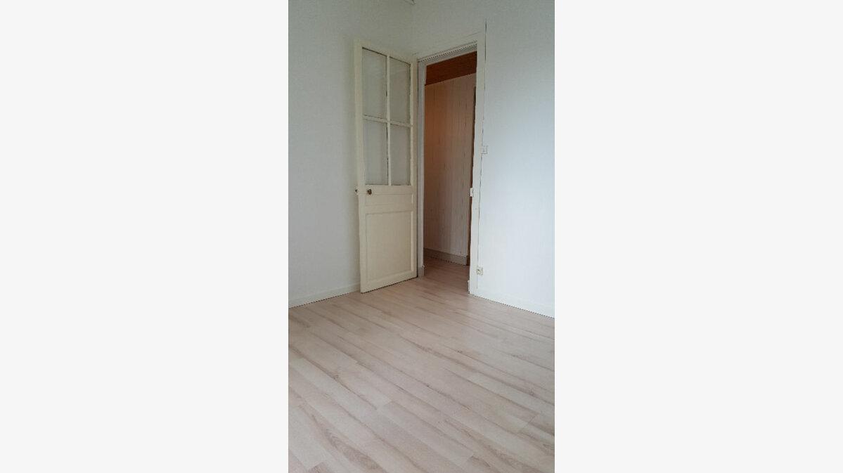 Location Maison 4 pièces à Elbeuf - vignette-14