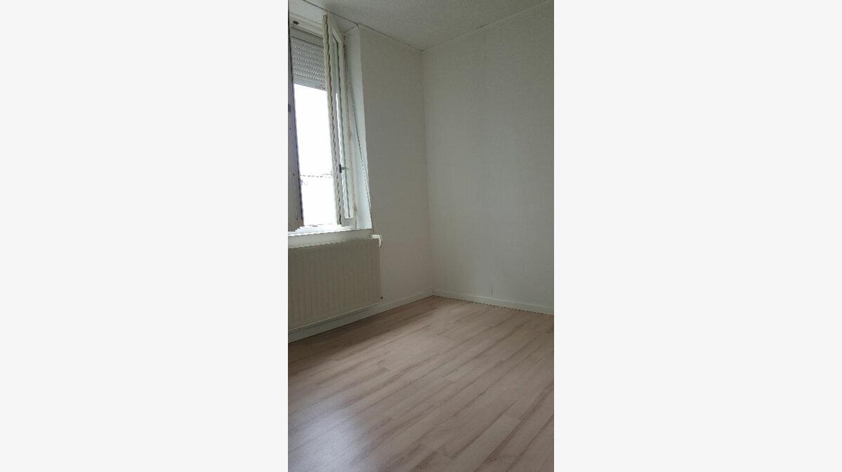 Location Maison 4 pièces à Elbeuf - vignette-15