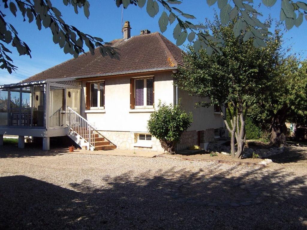 Achat Maison 4 pièces à Caudebec-lès-Elbeuf - vignette-1