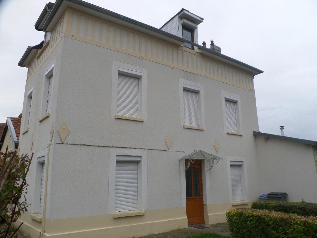 Achat Maison 5 pièces à Grand-Couronne - vignette-1