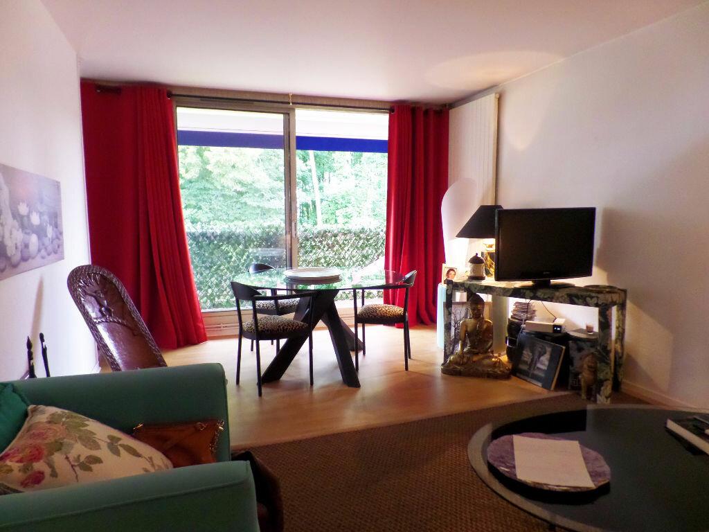 Achat Appartement 3 pièces à Bois-Guillaume - vignette-1