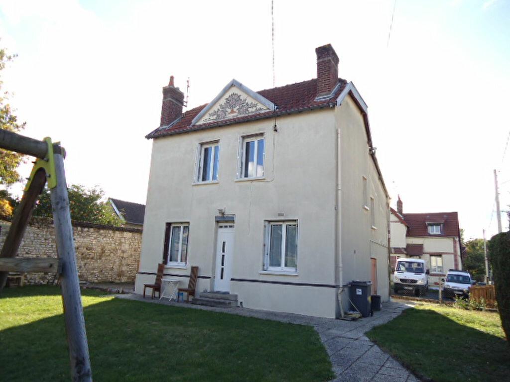 Achat Maison 4 pièces à Saint-Étienne-du-Rouvray - vignette-1