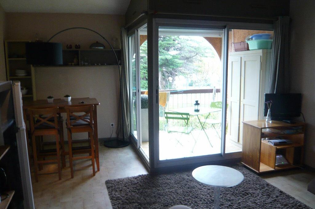 Achat Appartement 3 pièces à Saint-Cyprien - vignette-9