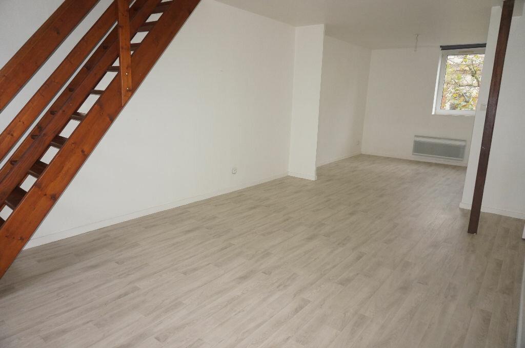 Location Appartement 3 pièces à Calais - vignette-1