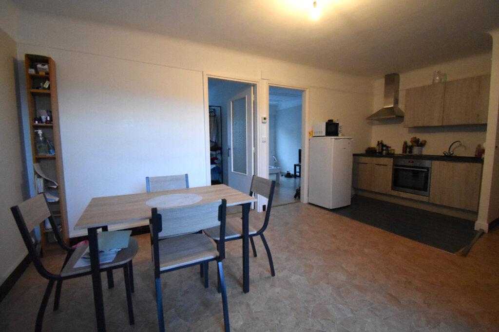 Location Appartement 3 pièces à Calais - vignette-2