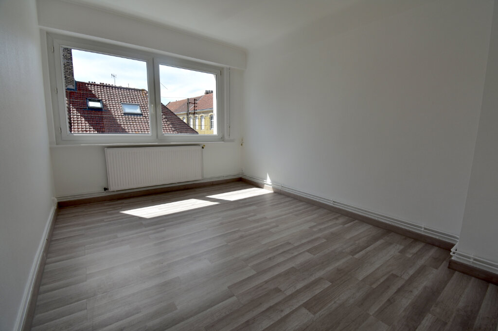 Location Appartement 3 pièces à Calais - vignette-5