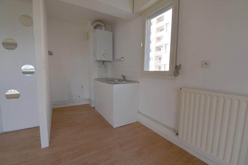 Location Appartement 2 pièces à Calais - vignette-4