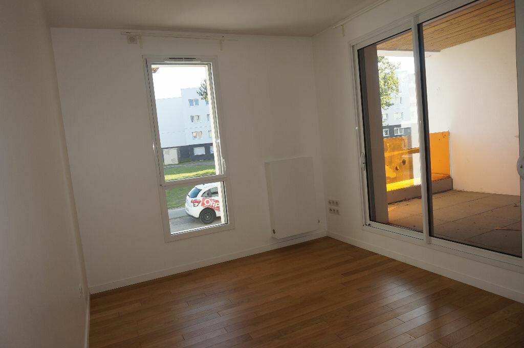 Location Appartement 4 pièces à Calais - vignette-2