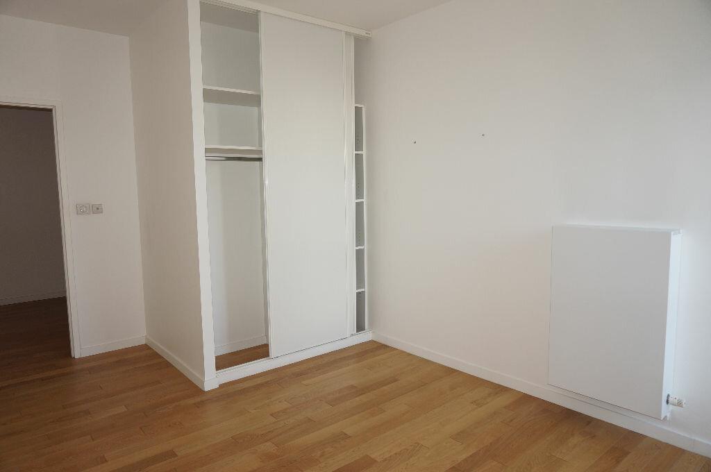 Location Appartement 4 pièces à Calais - vignette-5