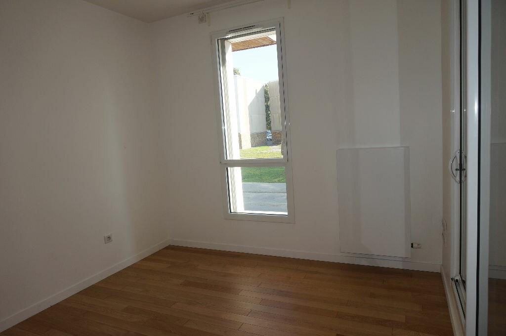 Location Appartement 4 pièces à Calais - vignette-6