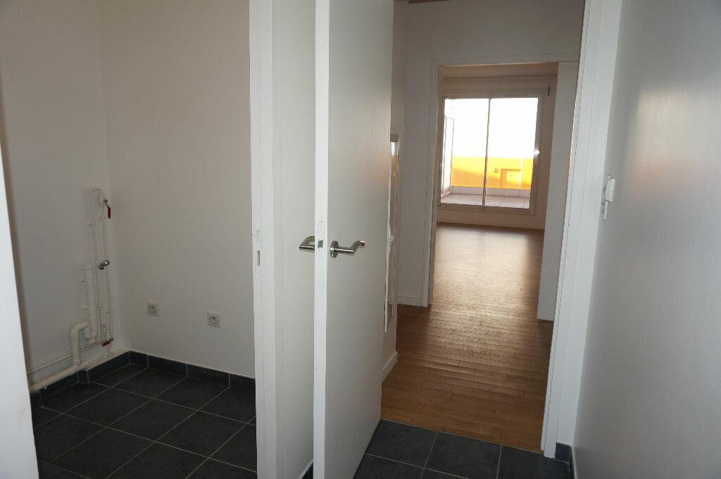 Location Appartement 4 pièces à Calais - vignette-4