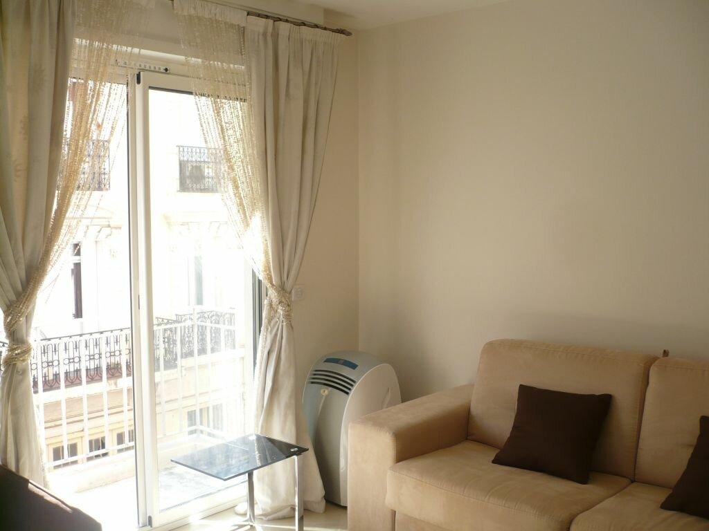 Location Appartement 1 pièce à Cannes - vignette-2