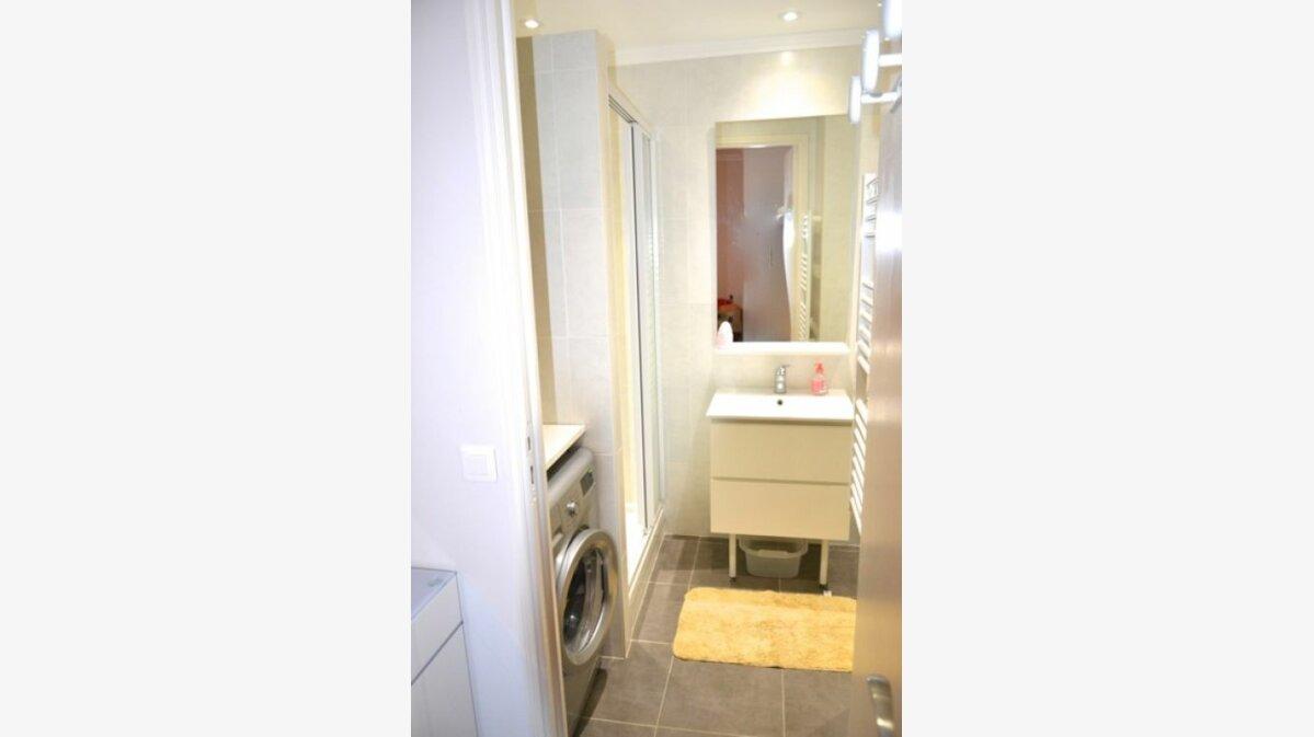 Location Appartement 1 pièce à Cannes - vignette-3