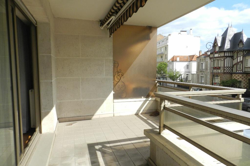 Location Local commercial  à Saint-Maur-des-Fossés - vignette-1