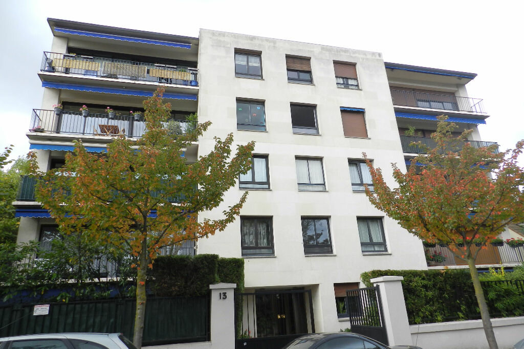 Location Appartement 1 pièce à Saint-Maur-des-Fossés - vignette-1