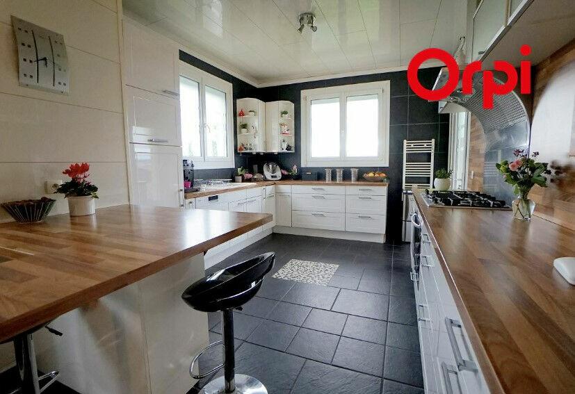 Achat Maison 10 pièces à Mézy-sur-Seine - vignette-1