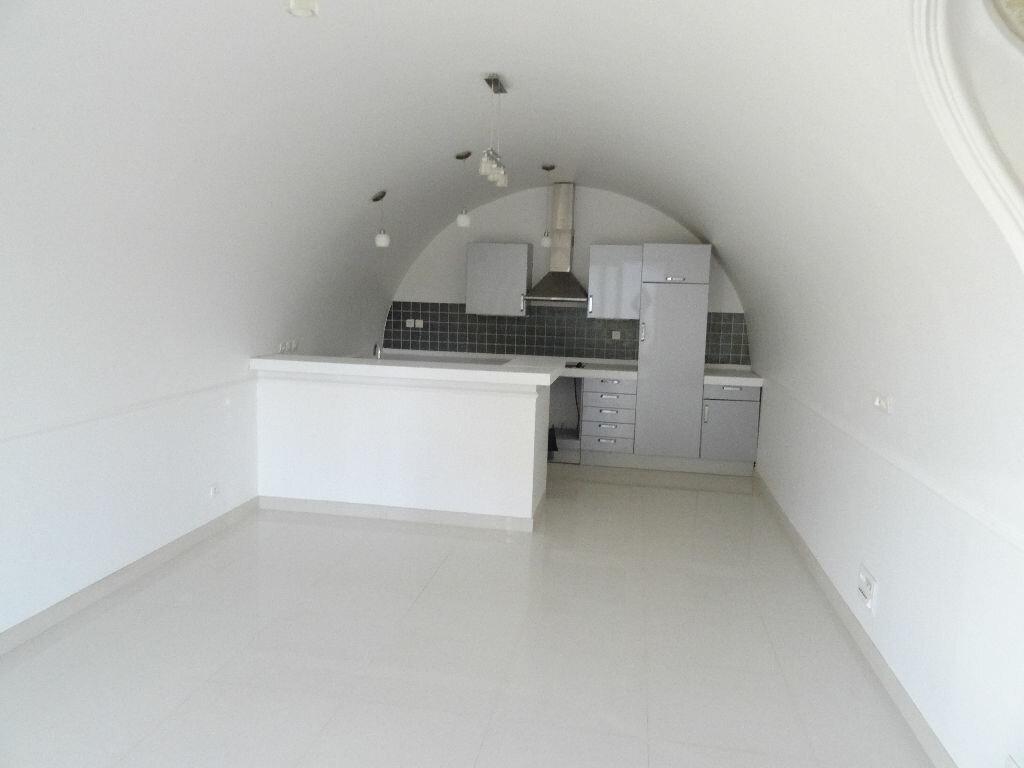 Achat Appartement 2 pièces à Mézy-sur-Seine - vignette-2