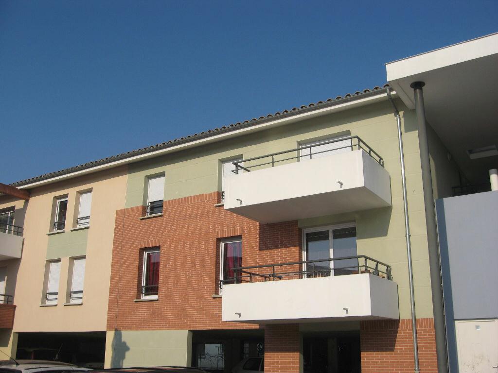Location Appartement 3 pièces à Fenouillet - vignette-1