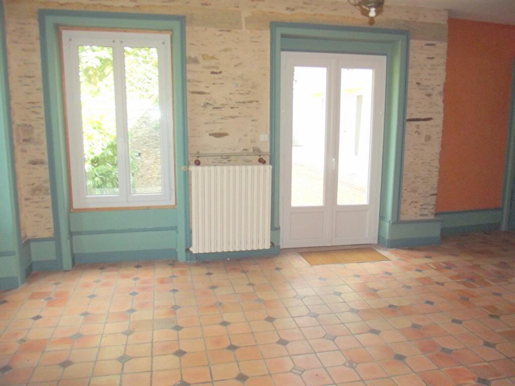 Location Maison 10 pièces à Pouancé - vignette-6