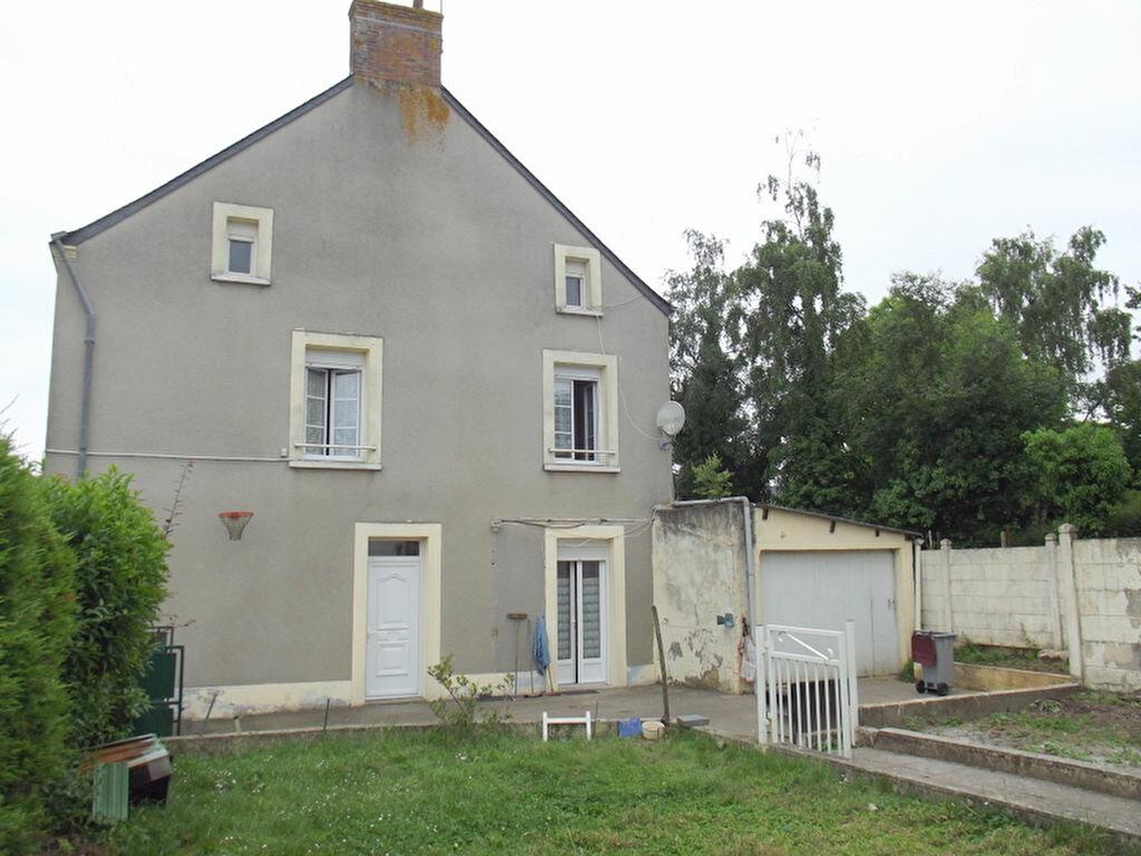 Achat Maison 6 pièces à Saint-Aignan-sur-Roë - vignette-1