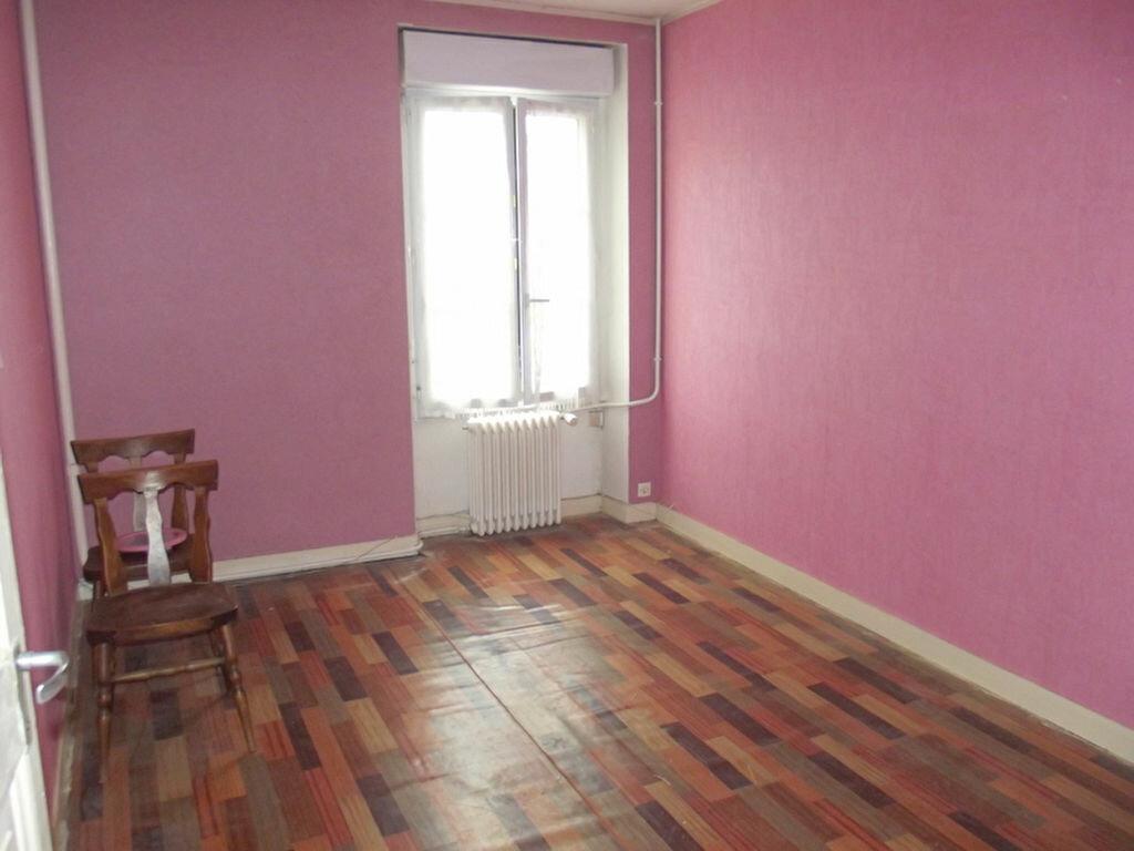 Achat Maison 6 pièces à Saint-Aignan-sur-Roë - vignette-3