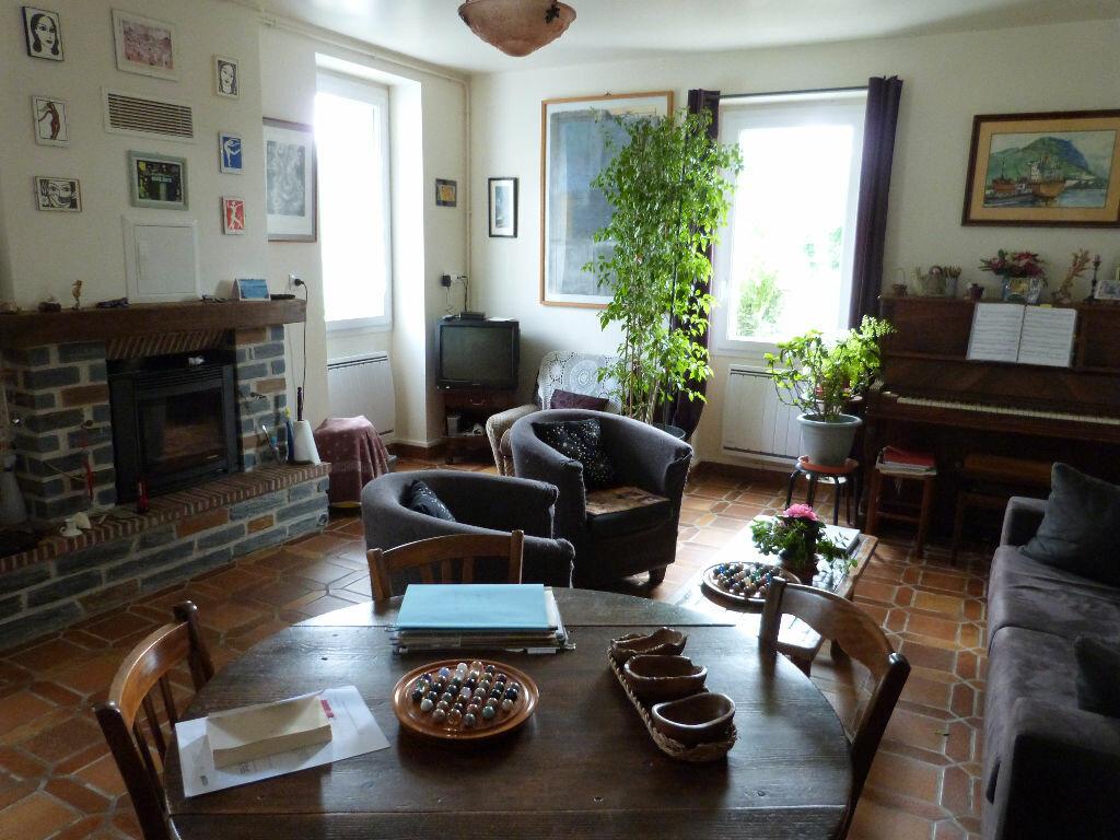 Achat Maison 6 pièces à Saint-Julien-de-Vouvantes - vignette-1
