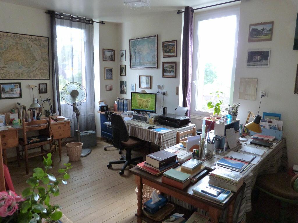 Achat Maison 6 pièces à Saint-Julien-de-Vouvantes - vignette-3