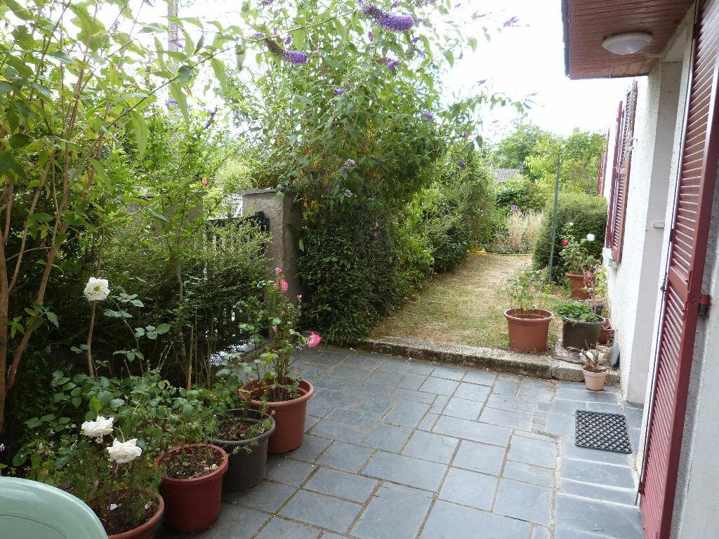 Achat Maison 6 pièces à Saint-Julien-de-Vouvantes - vignette-4