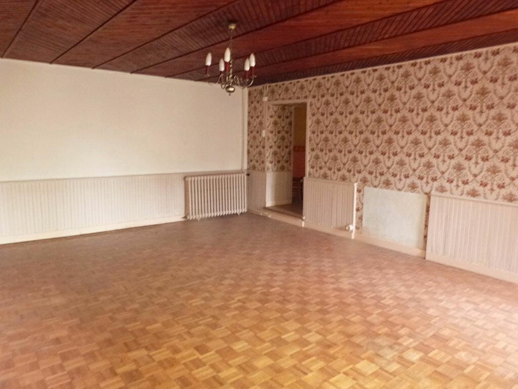 Achat Maison 9 pièces à Saint-Aubin-des-Châteaux - vignette-4