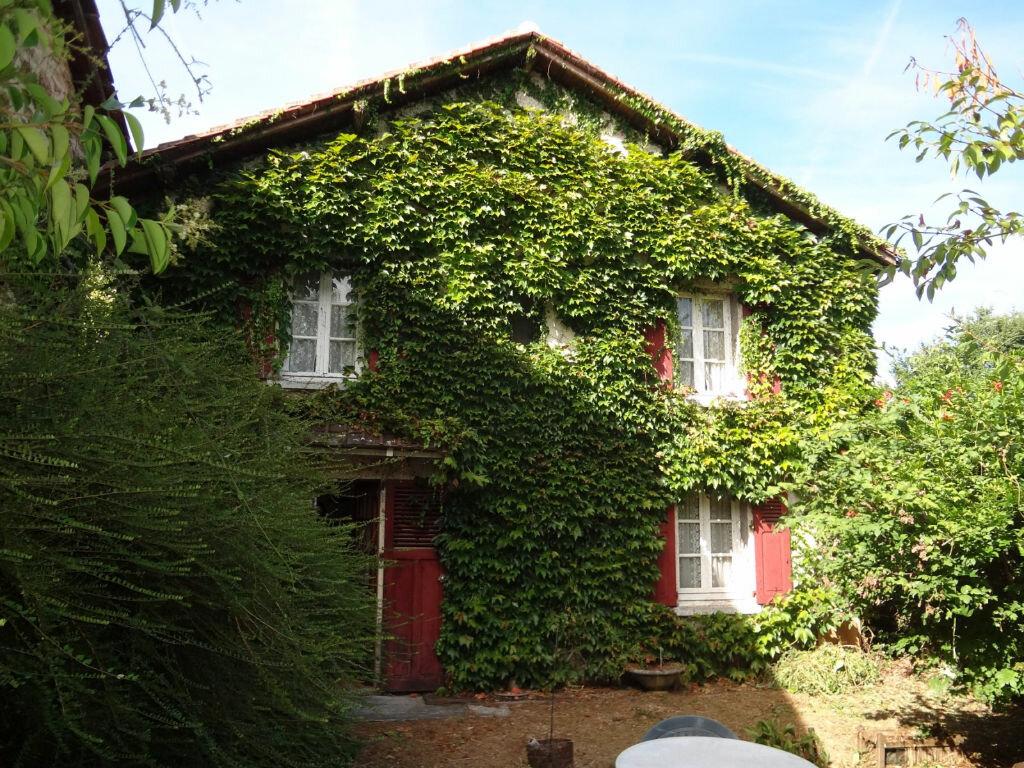 Achat Maison 5 pièces à Saint-Martin-Terressus - vignette-2