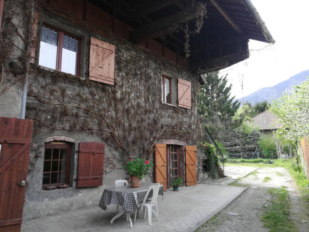 Achat Maison 6 pièces à Gilly-sur-Isère - vignette-1