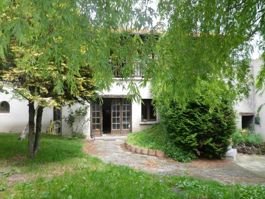 Achat Maison 10 pièces à Cournon-d'Auvergne - vignette-1