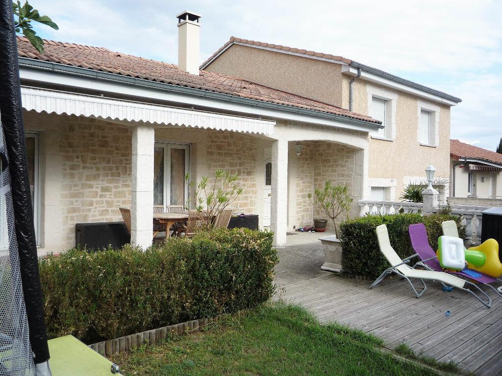 Achat Maison 7 pièces à Cournon-d'Auvergne - vignette-1