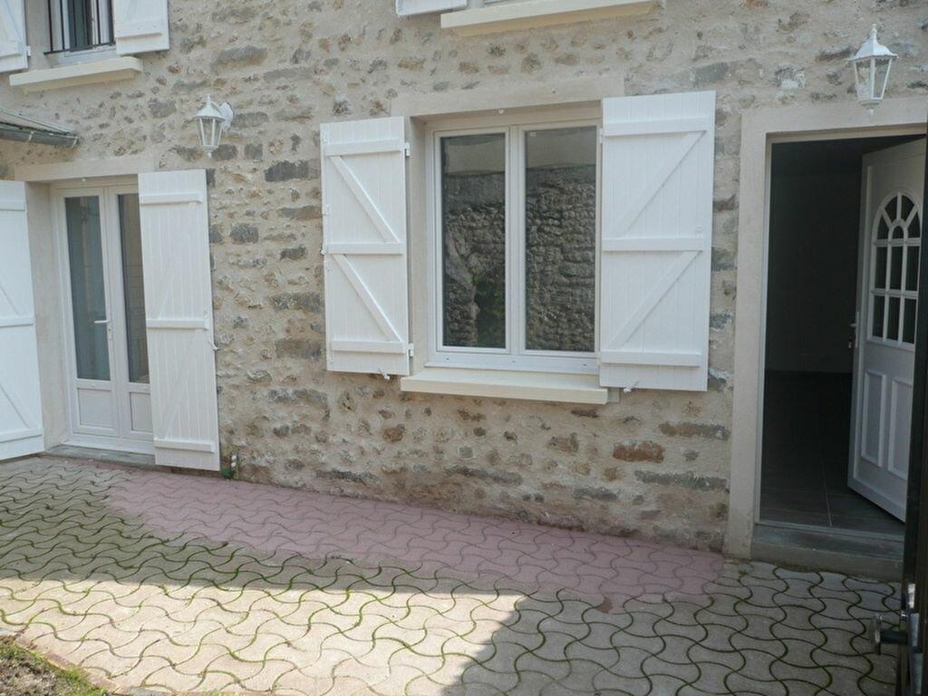 Location Maison 4 pièces à Étréchy - vignette-1